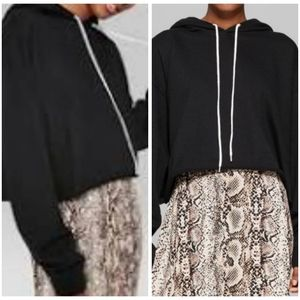 WILD FABLE BLACK CROPPED HOODIE - LARGE